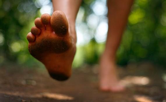 4 ползи от това да събуваме обувките си когато сме у дома