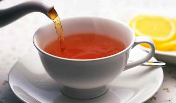 Как да почистим петна от чай