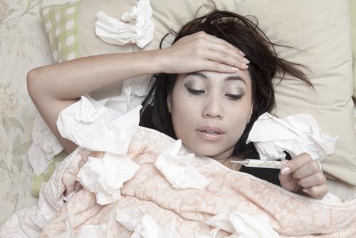 Как да почистим спалнята след грип или настинка
