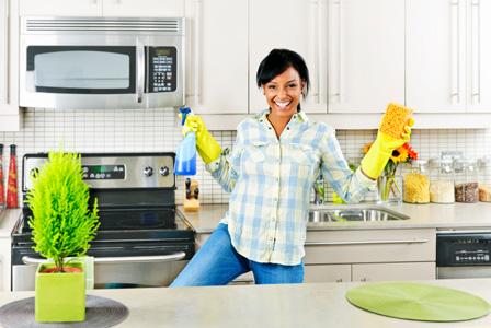 Кое колко често трябва да чистим и перем у дома