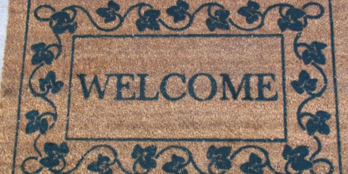 Как да запазим пода чист, когато очакваме голямо събиране на хора у дома