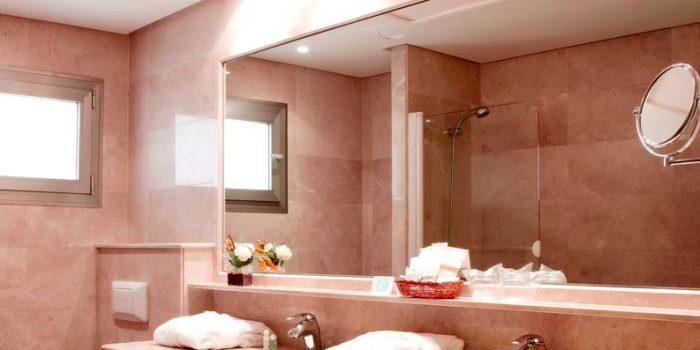 Огледало за баня – как да го изберем