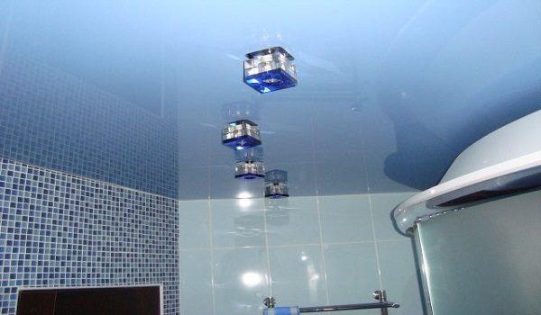 Как правилно да боядисаме тавана в банята